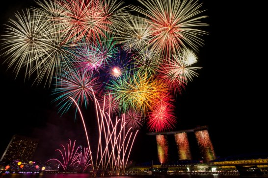 fireworks_by_nuic-d4gmrfr
